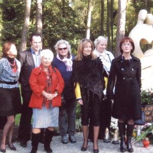2008-10-12 Odsłonięcie Pomnika Dziecka Utraconego na Cmentarzu Centralnym (8)