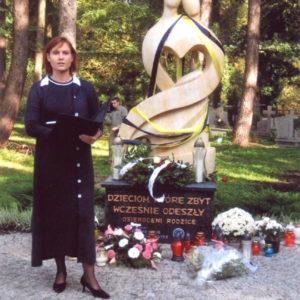 2008-10-12 Odsłonięcie Pomnika Dziecka Utraconego na Cmentarzu Centralnym (1)