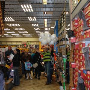 2011-10-22 akcja charytatywna Ciepłe buty na zimę 150 par! (8)